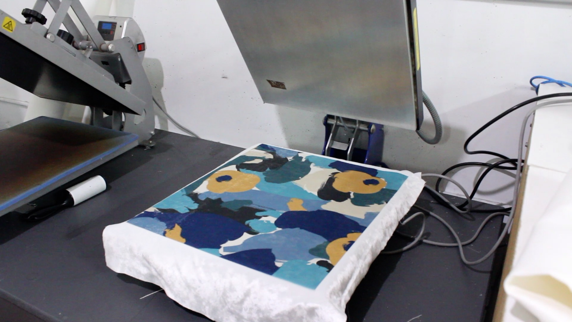 See how we print samples using the sublimation printing method (video)